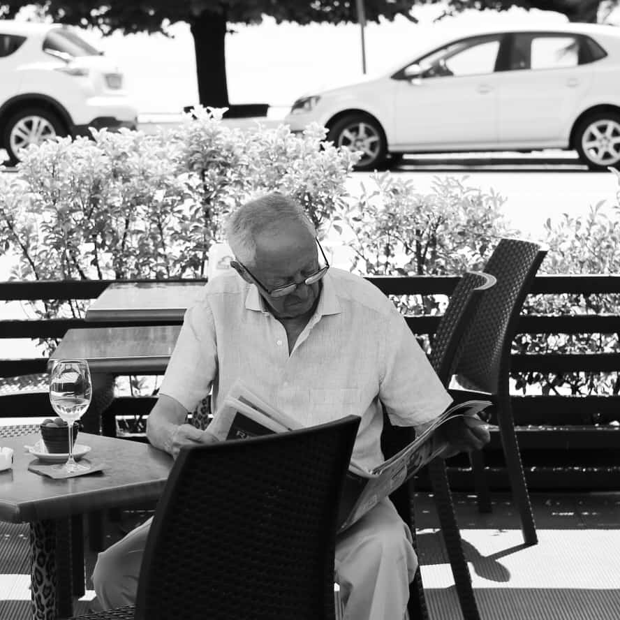 Portraits of Italy: reading paper in Arona